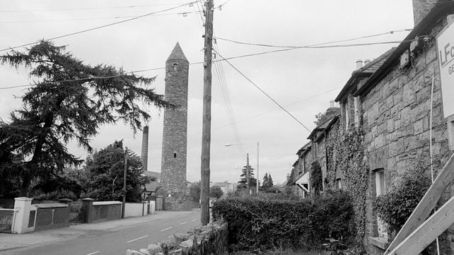 Clondalkin Round Tower (1985)