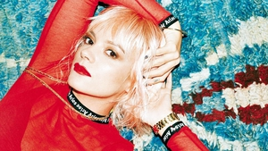 Lily Allen admits that she spends up to five hours a day on Twitter