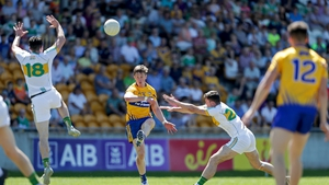 Eoin Cleary shooting for Clare