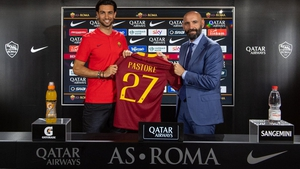 Javier Pastore poses with his Roma shirt
