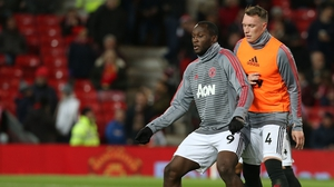 Lukaku and Jones warm up for Manchester United