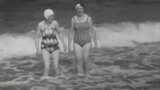 Swimmers in Bray (1968)