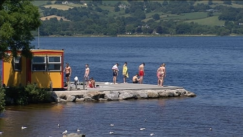 People enjoy the sunshine in Co Clare