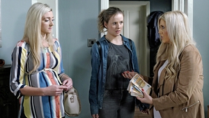 Sash discovers Decco's money stash on Fair City