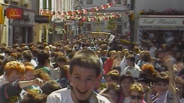 Michael Jackson fans gather in Cork city centre (1988)