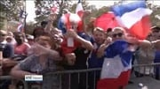 Six One News (Web): Thousands welcome French team home from World Cup win
