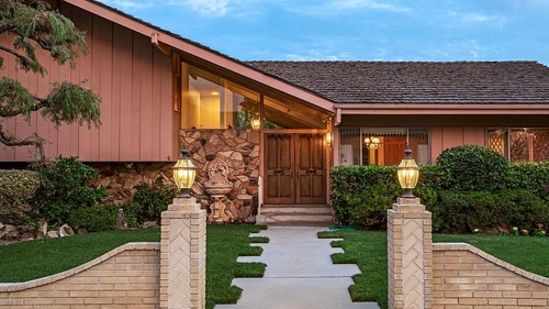 Sale 'Brady Bunch' House Reportedly May Be Torn Down