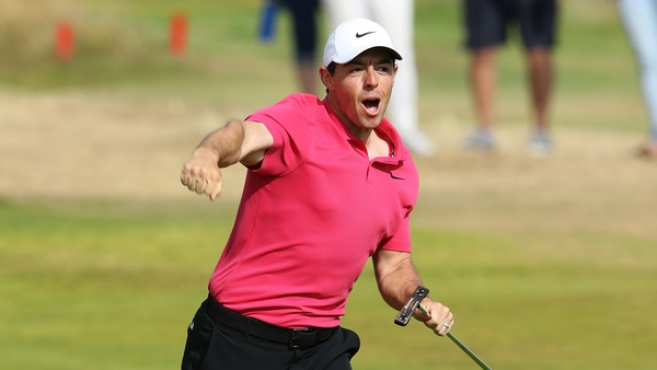 Rory McIlroy tees off at 1423