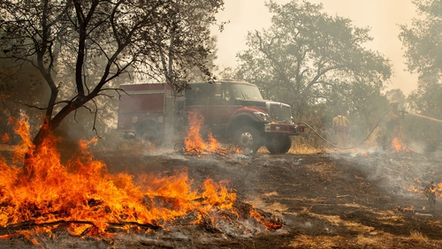 California Wildfire: Raging blaze spreads, killing six and destroying more homes