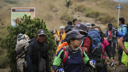 An estimated 689 people still remained trapped on the mountain