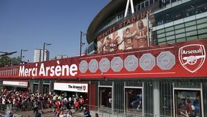 Stan Kroenke is seeking to take full control of Arsenal