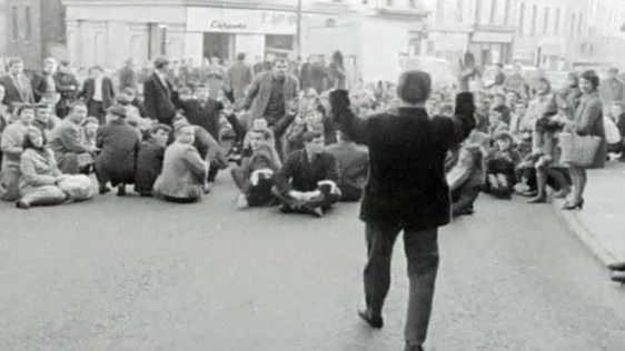 Protesters defy ban in Derry (1968)