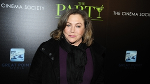 "Kathleen Turner - ""The Friends actors were such a clique - but I don't think my experience with them was unique"""