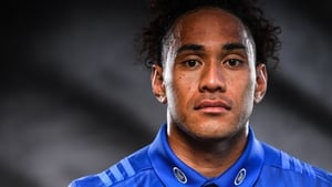 Joe Tomane lines out for Leinster