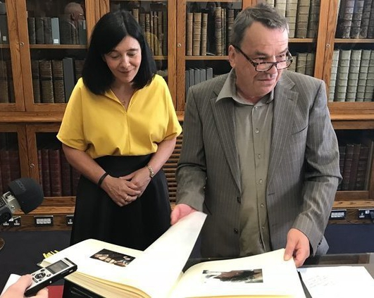 Neil Jordan donates archive to National Library