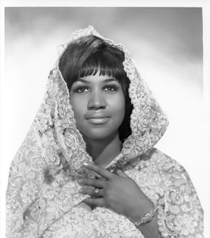 Soul singer Aretha Franklin poses for a portrait wearing a shroud in circa 1967. (Photo by Michael Ochs Archives/Getty Images)