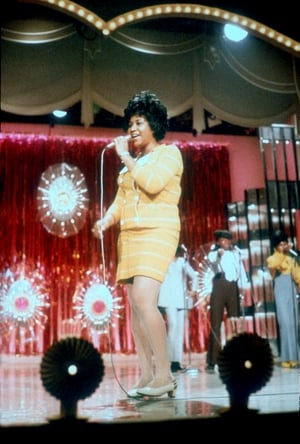 Soul singer Aretha Franklin performs onstage in circa 1965. (Photo by Michael Ochs Archives/Getty Images)
