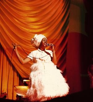Aretha Franklin performing at Hammersmith Apollo circa 1968