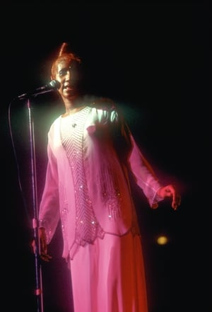 Aretha Franklin performs onstage in circa 1977. (Photo by Waring Abbott/Michael Ochs Archives/Getty Images)