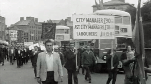 Dublin Corporation workers on strike in 1968