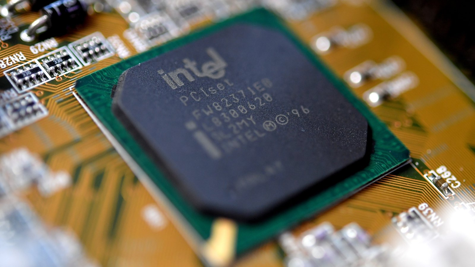 Chip supply shortages could last several years - Intel