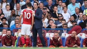 Unai Emery insists he has no issue with Mesut Ozil