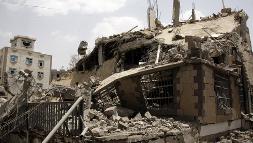 The UN says there have been heavy casualties because of air strikes in Yemen