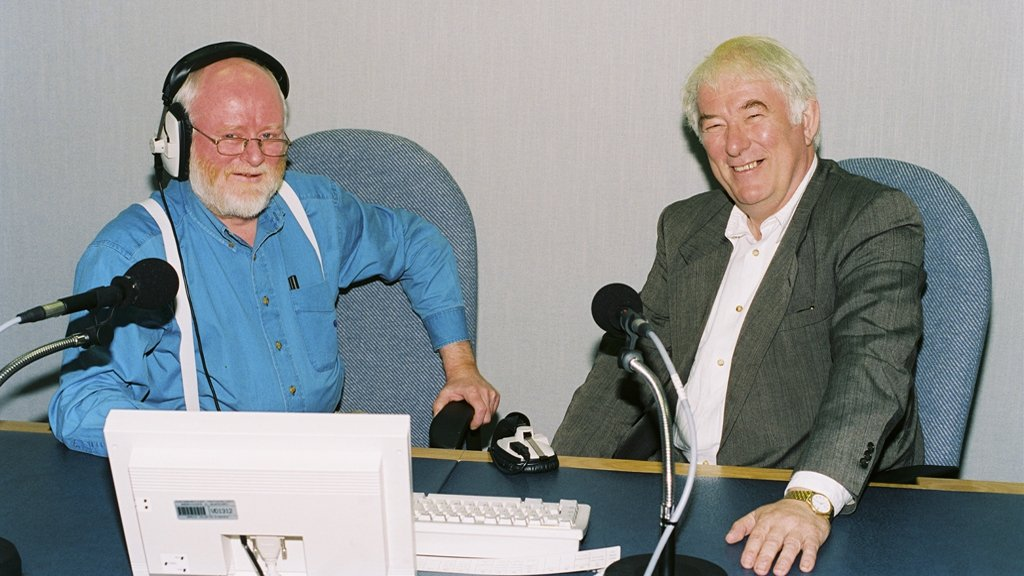 David Hanly and Seamus Heaney © RTÉ Archives 2265/048