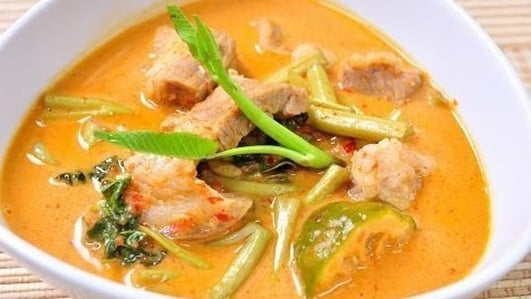 Neven's Recipes - Pork, Thai red curry ++