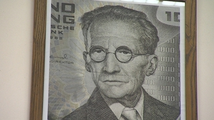 Erwin Schrödinger on the 1,000 Austrian Schilling note