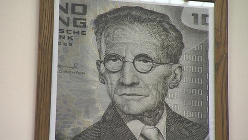 Erwin Schrödinger on the 1,000 Austrian Schilling note