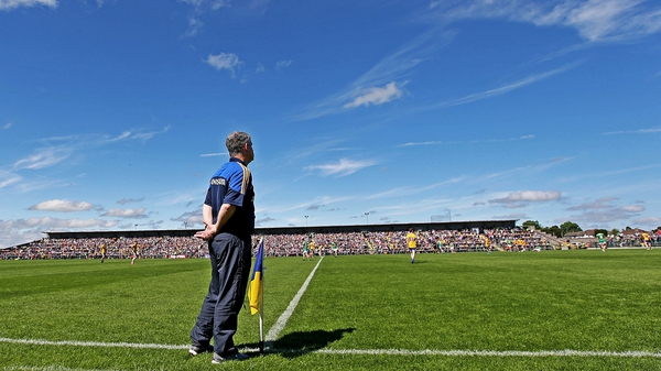 Kevin McStay on the sideline with Roscommon