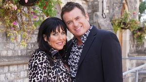 Alfie returns to EastEnders and is keen to make amends with Kat