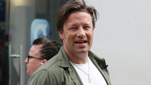 "Jamie Oliver says burglar incident was ""frightening"""