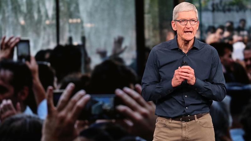 Apple CEO warns Trump about China tariffs