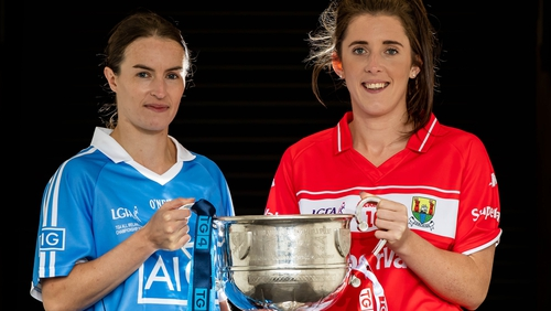 Dublin captain Sinéad Aherne with Cork captain Ciara O'Sullivan