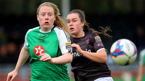 Wexford Youths' Orlaith Conlon chases down Amber Barrett of Peamount United