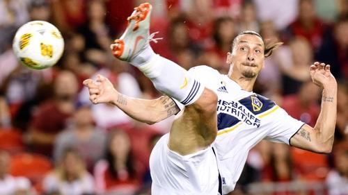 Zlatan Ibrahimovic scores a spectacular landmark goal