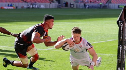 Angus Kernohan scores a try for Ulster