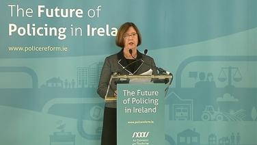 Kathleen O'Toole, cathaoirleach an choimisiúin faoi phóilíneacht