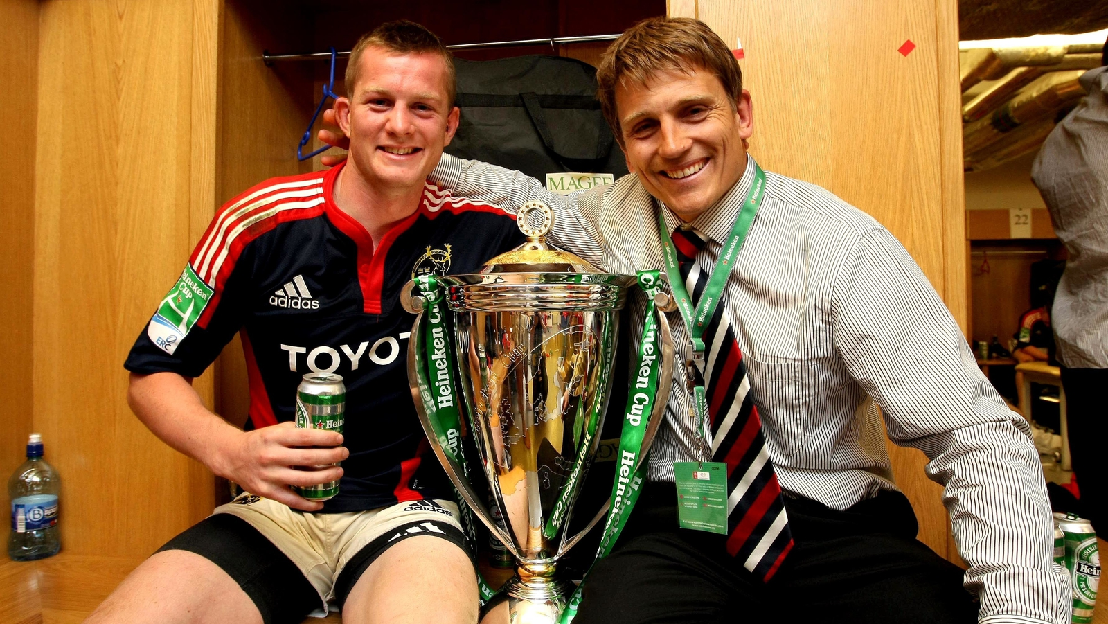 Image - Denis Hurley celebrates the 2008 Heineken Cup victory with Shaun Payne