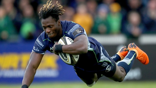 Niyi Adeolokun takes his try at the Sportsground