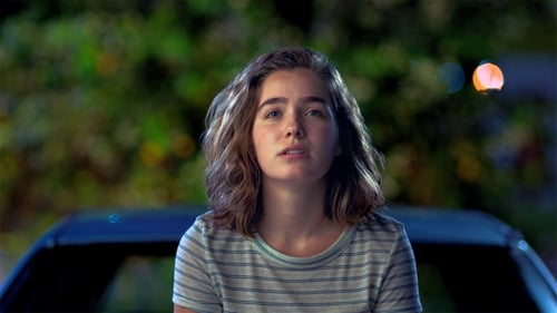 Haley Lu Richardson: a magnetic force as Casey, walking around Columbus, Ohio and looking at buildings
