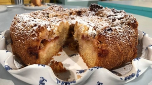 Eunice Power's Plum and Cinnamon Cake