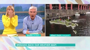Viewers in hysterics after Alison Hammond pushes man into dock live on This Morning