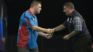 Daryl Gurney eased to a 3-0 win over Gary Anderson