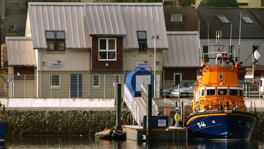Search resumes for missing fisherman in Co Cork