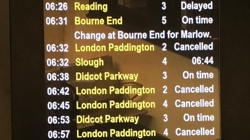 Paddington station suffers major disruption after overhead wires damaged