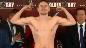 Jason Quigley on the scales in California