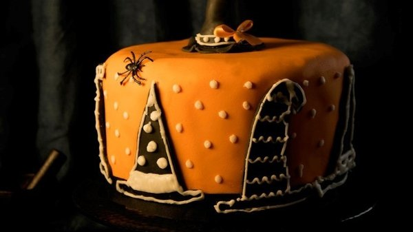 This witch's hat cake is sure to thrill your friends and family